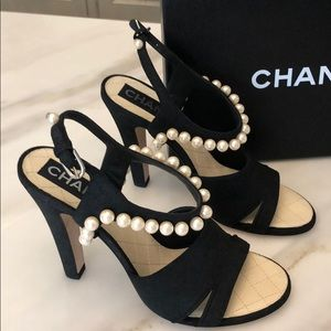 New and authentic Chanel heels with pearls 38 7.5